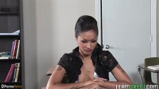 The seducing bimbo Natasha D has prepared a hot surprise for hard Rocco Siffredi when took the fat d Thumb
