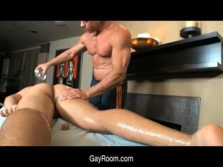 Muscle men with big cocks piss gay xxx Nolan Loves That Hot Piss Play Thumb