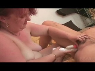 Tight pussy hardcored with dildo Thumb