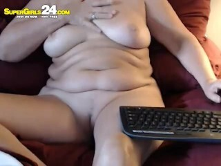 BBW brunette reveals her pussy Thumb