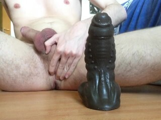 Good-sized fuck-stick railing bad dragon faux-cock Thumb