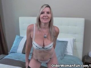 Canadian cougar Velvet Skye gives her vulva a exercise with thumbs Thumb