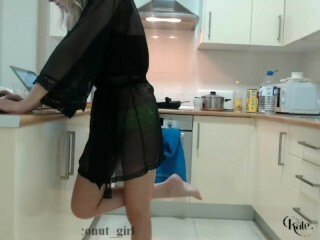 Magnificent Kitchen live Display Kate Making Food chaturbate REC Thumb