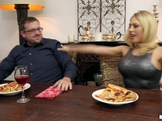 Mofos - Bored housewife Kagney Linn Karter smashes her spouse's homie Thumb